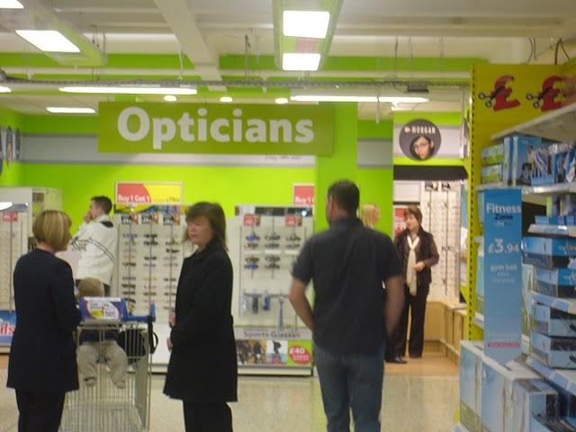 Tesco tienda optica supermercado