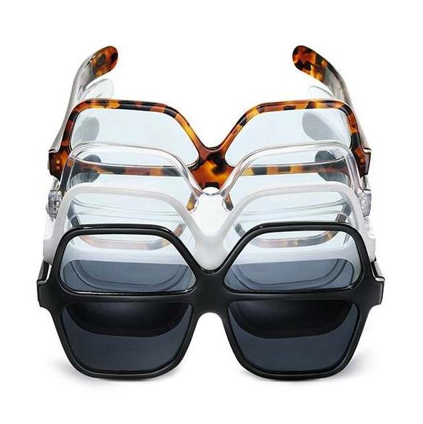 dos pares gafas, dos gafas en una