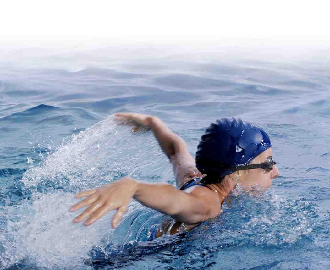 nadar piscina