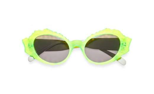 Una colección de gafas de sol retro y neón - Longitud de Onda 53919db9b13b