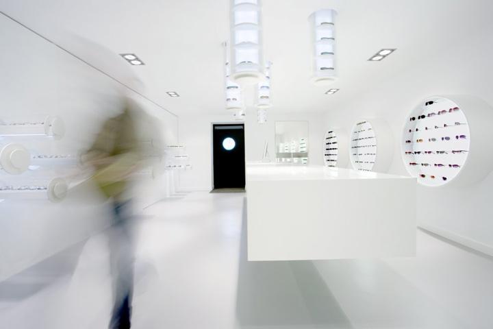 Freudenhaus-eyglasses-by-Aigner-Architecture-06