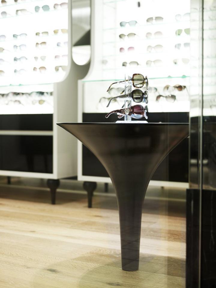 The-Optometrist-by-Greg-Natale-Sydney-06