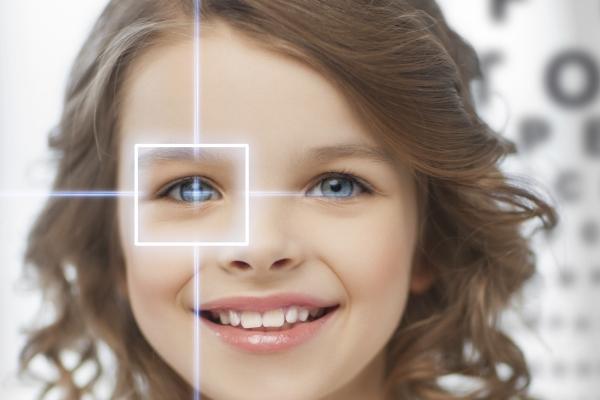 Los niños españoles, los segundos más jóvenes en iniciarse en el uso de lentillas