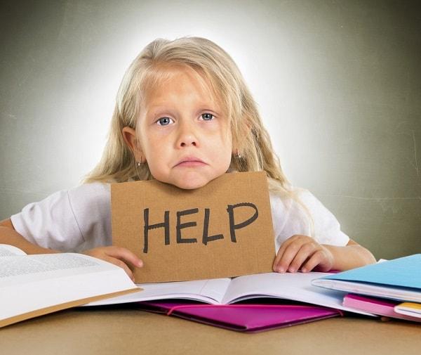 Dificultades de lectura en niños a causa de problemas de visión binocular